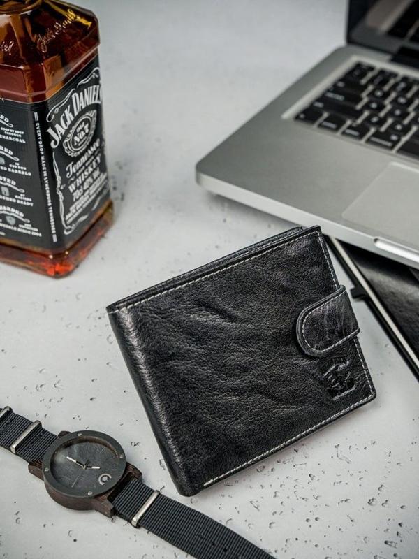 Čierna pánska kožená peňaženka  3205