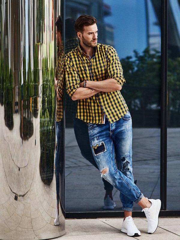 Stylizace č. 274 - kožený náramek, károvaná košile, džíny