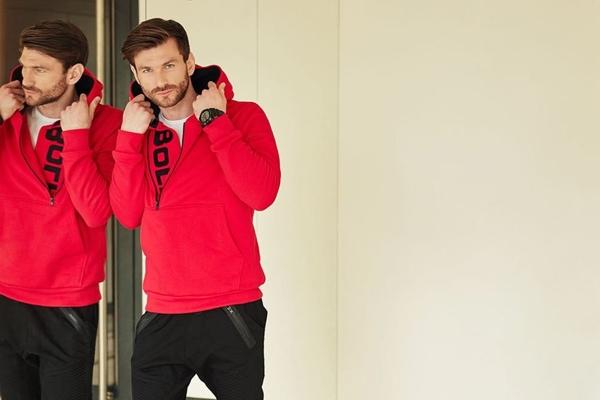 Štylizácia č. 416 - mikina s kapucňou, tričko, jogger nohavice, hodinky